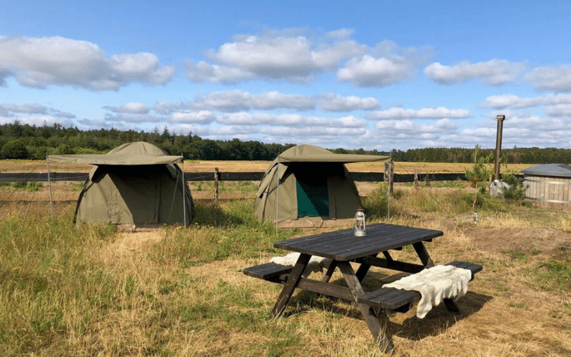 De safari tenten voor wie comfortabel wil slapen na de Land Rover Safari